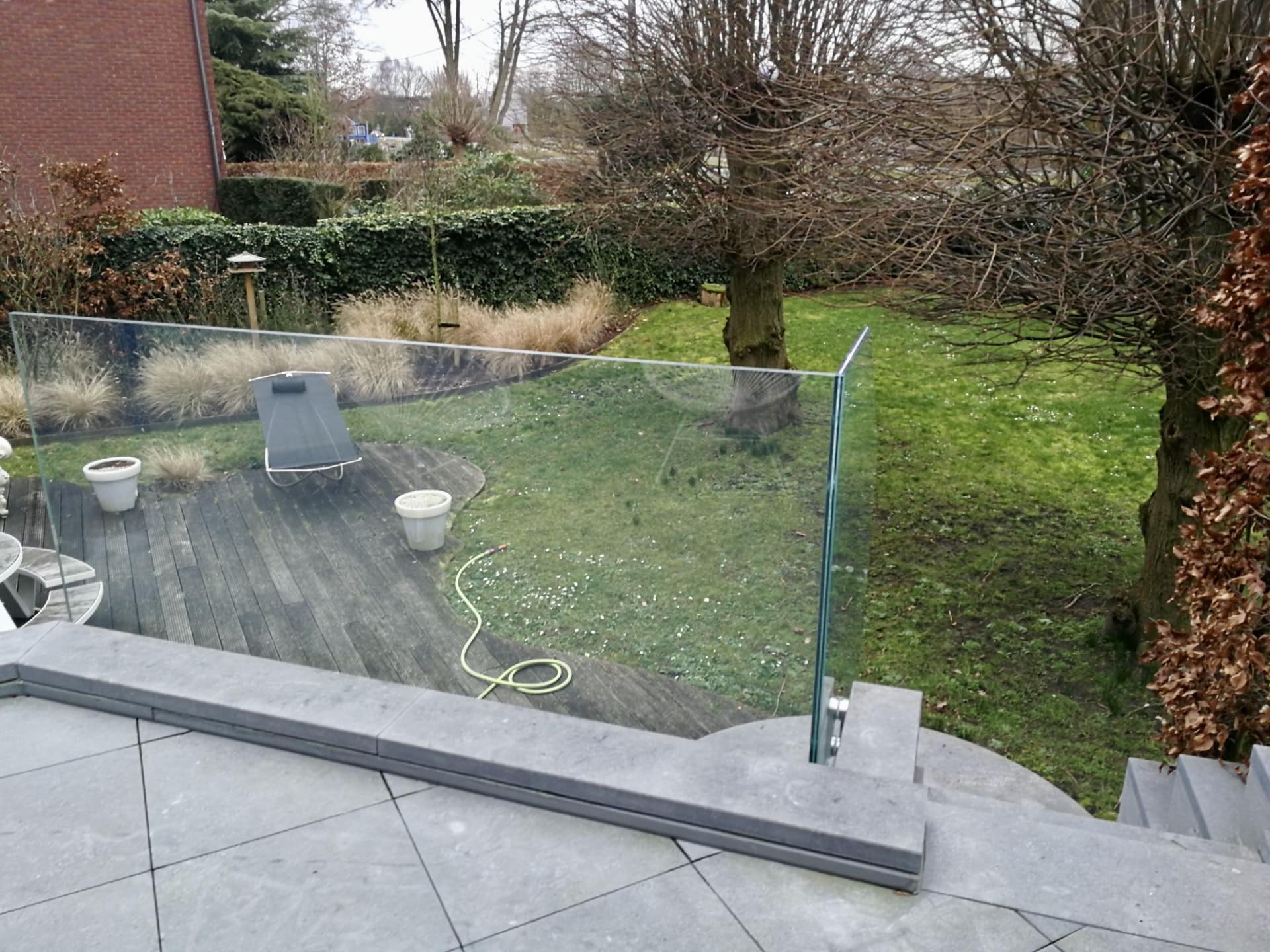 https://allglas.be/wp-content/uploads/2020/02/all-glas-walschaerts-bonheiden-glas-balustrade-buiten-09.jpeg