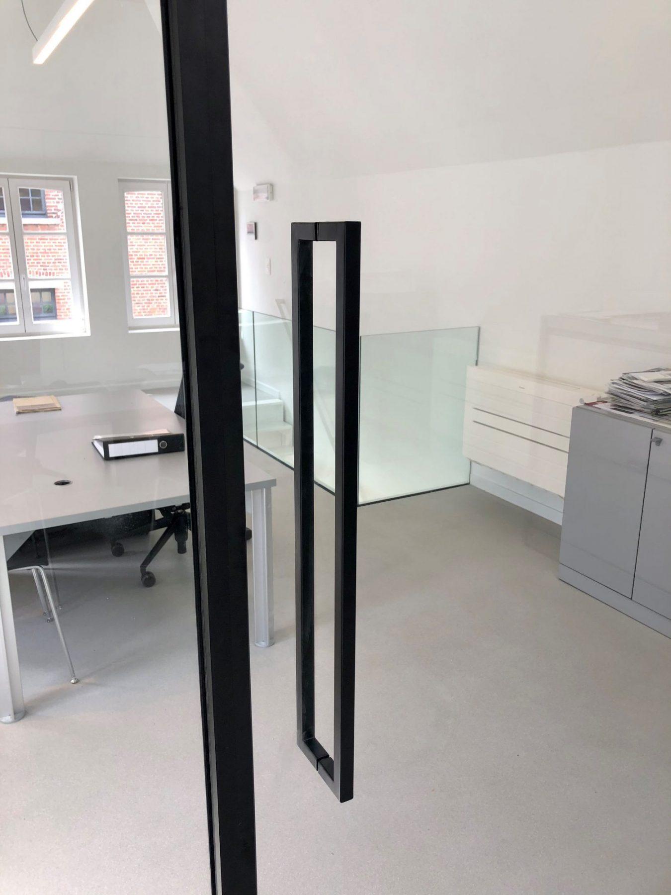 https://allglas.be/wp-content/uploads/2021/06/all-glas-walschaerts-bonheiden-interieurglas-steellook-glaswand-immovos-04-scaled.jpg