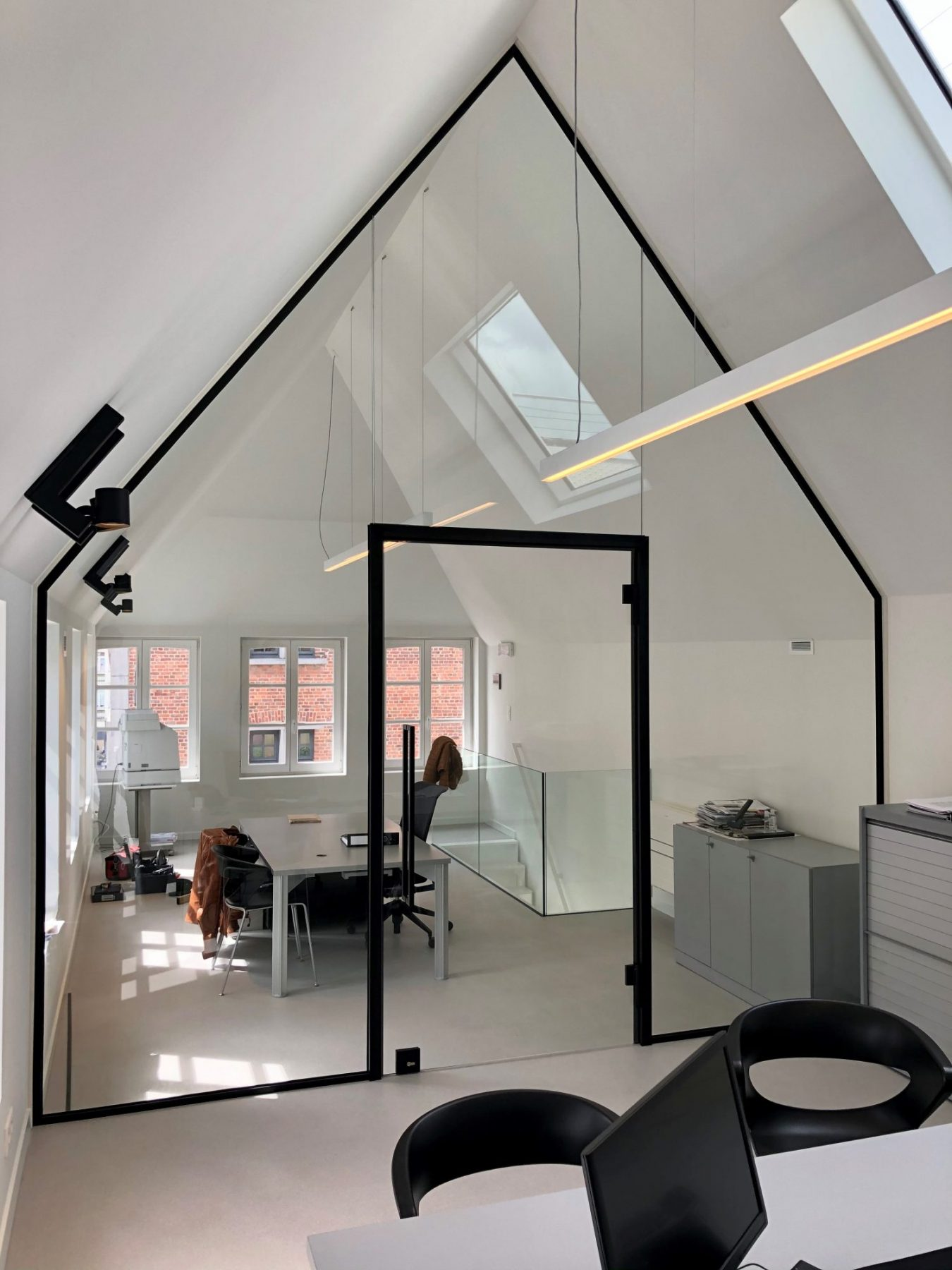 https://allglas.be/wp-content/uploads/2021/06/all-glas-walschaerts-bonheiden-interieurglas-steellook-glaswand-immovos-05-scaled.jpg