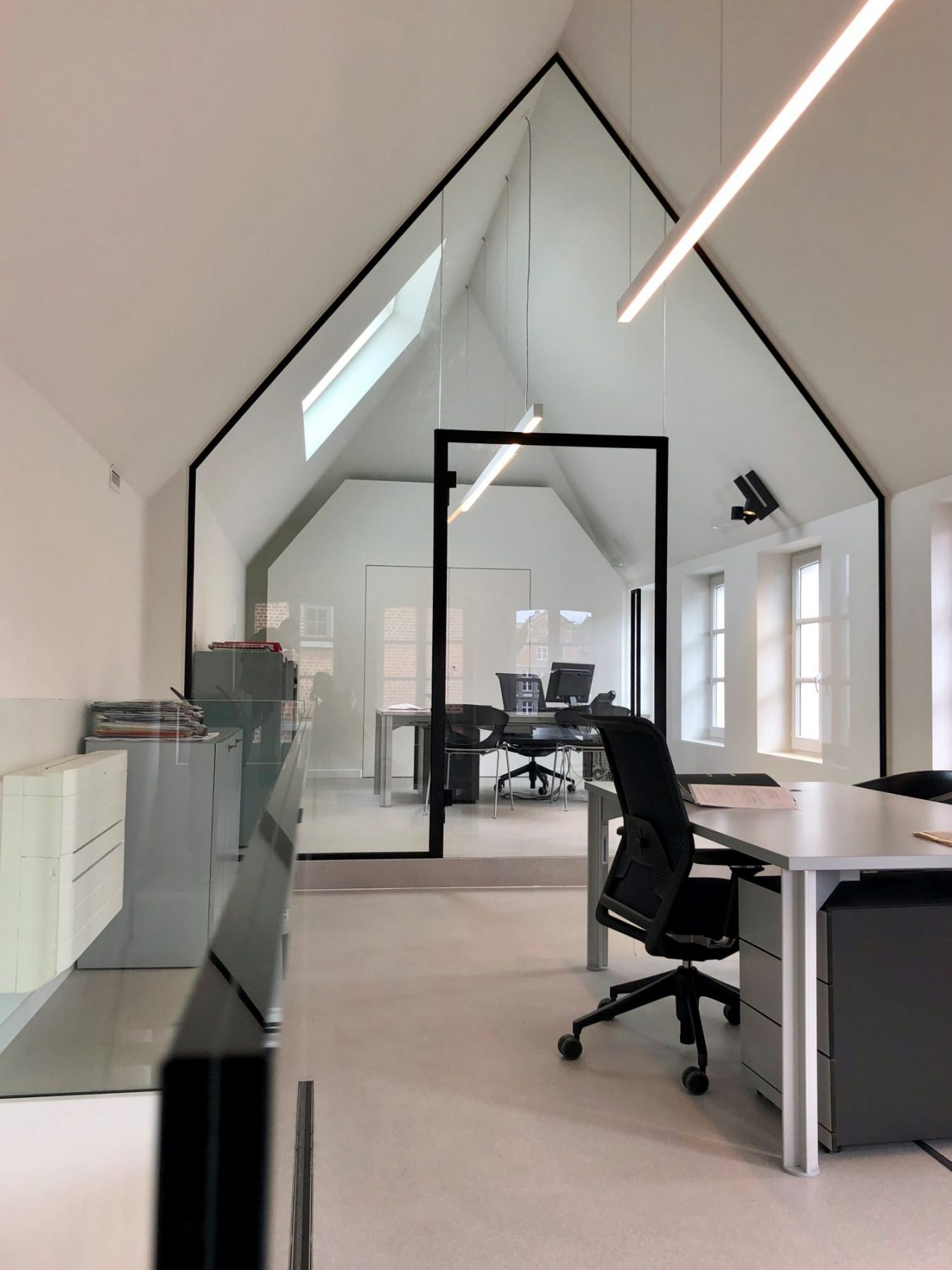 https://allglas.be/wp-content/uploads/2021/06/all-glas-walschaerts-bonheiden-interieurglas-steellook-glaswand-immovos-06-1-scaled.jpg